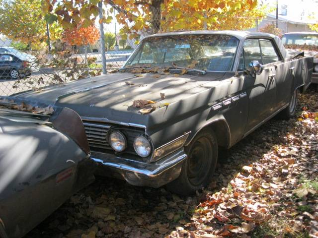 1963 Buick Electra 225 4 Dr Hardtop  rear body damage, otherwise, straight, Ran good, low miles, nice trim and options.  Great parts car. n-309