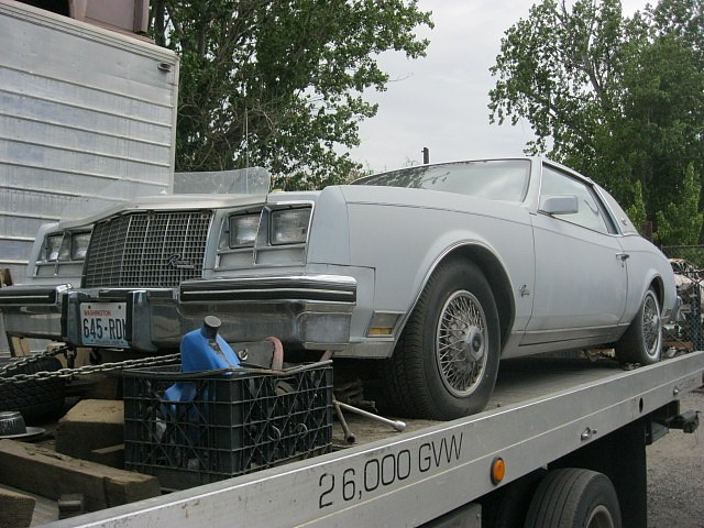1982 Buick Riviera   Loaded, super straight, not rusty, low miles, 307 Olds Gas engine, needs paint    $1,750  n-372