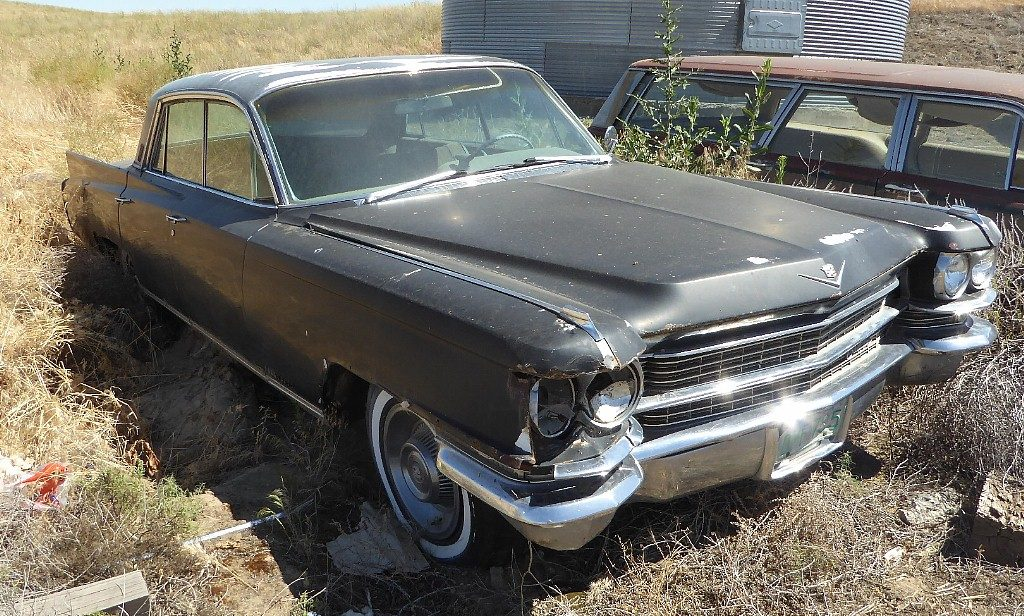 1963 Cadillac Fleetwood/ 60 Special, 4 dr H/T  Complete w/ minor RF damage, otherwise straight, solid, and very original, trans mission is in the trunk, but I believe the engine is O. $2,650  n-513