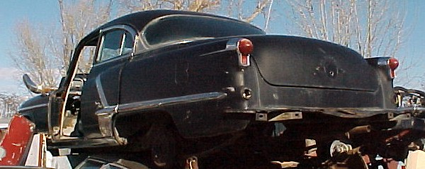 1952 Olds 98 - 4d, no  engine, no trans, straight body, not rusty, lots of good parts. Parting out.  n-052