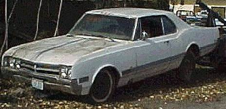 1966 Oldsmobile Starfire - Complete, not running,  425 / T400, tilt - tele, A/C, PS, PB, Headrests. A rare car in rough shape.  $1,500  n-071  Sorry, this one is sold!