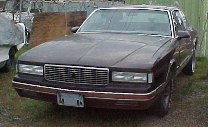 1988 Chevrolet Monte Carlo Luxury Sport, all options, nice body, no engine trans or front end. n-256