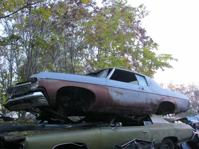 1970 Impala Custom 2 door disc brakes 12 bolt , lots of good parts. n-301
