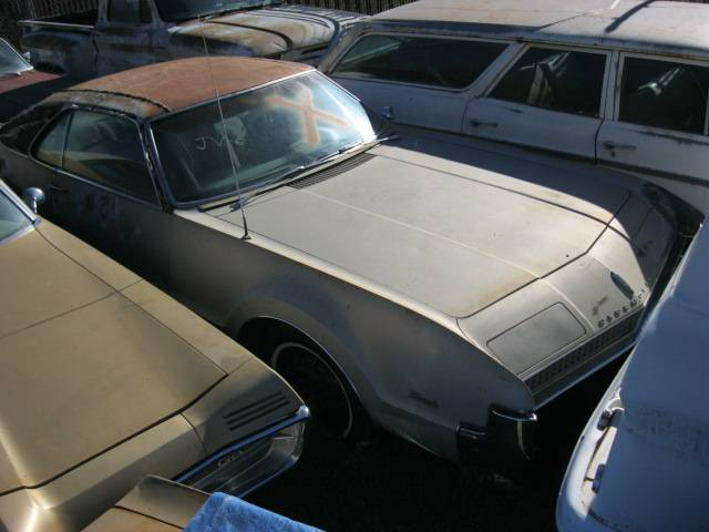 1967 Olds Toronado  425 V-8, automatic, strato bench ,blackinterior, loaded . Complete , straight and original $2,500 n-307