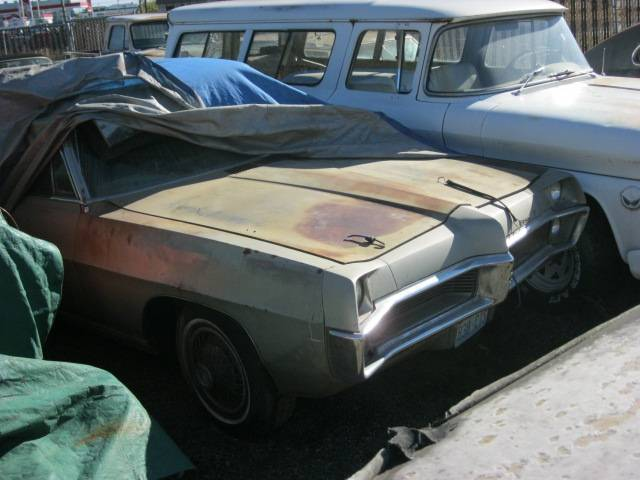 1967 Bonneville convertible  400 Auto, PS, PB power top, bench seat, complete and original, build sheet, rusty floors, $3,500 n-310