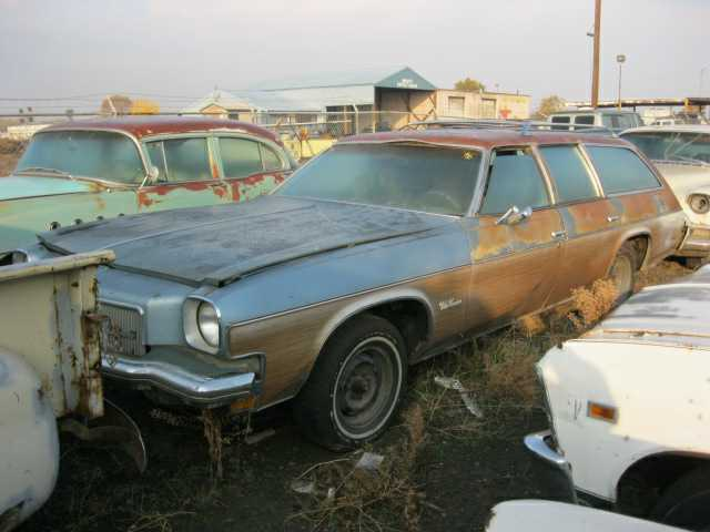 1973 Olds Cutlass estate wagon, 350 4 barrel, rebuilt Turbo 350, A/C, Rare factory sunroof, straight w? rear quarter rust. $1,650 n-332