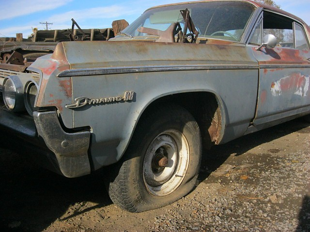 1963 Olds Dynamic 88 2 dr H/T  No engine or trans, rough but lots of good parts.  n-370  Parts Car