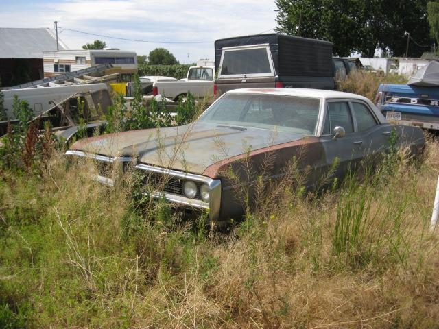 1968 Pontiac Executive 4 dr sedan 400 V-8 4 barrel,  T-400 auto , PS, PB factory A/C, all complete, and original runs.   Parts car.  n-384