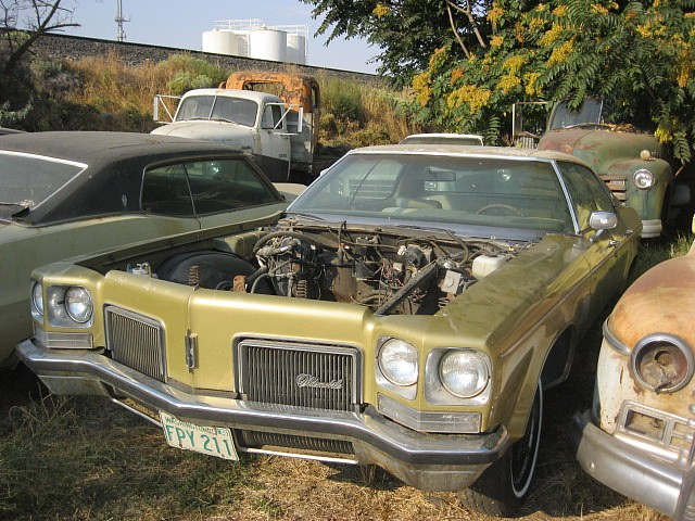 1972 Olds Delta 88 4 dr hardtop  No engine, trans or hood.  Super straight, clean, not rusty, nice interior, nice chrome and bumpers.  $1,200.  n-385