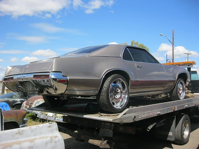 1970 Olds Toronado GT    wrecked front end, no engine, but loaded with options.  Parts Car.  n-388