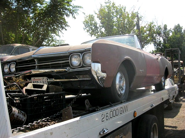 1966 Olds Dynamic 88 convertible  425 V-8 , Power steering and brakes, Power seat, Rare Power door locks, underdash A/C.  Runs good, straight body, very minor rust, nice chrome, Factory build sheet  $4,250  n-392