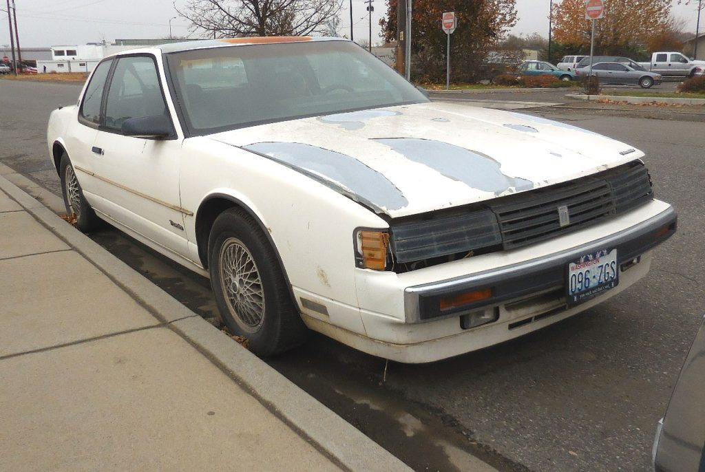 1989 Olds Toronado Trofeo  Low production Luxury coupe, 3.8 V-6 loaded with options, straight, not rusty, still runs OK   $900   n-461