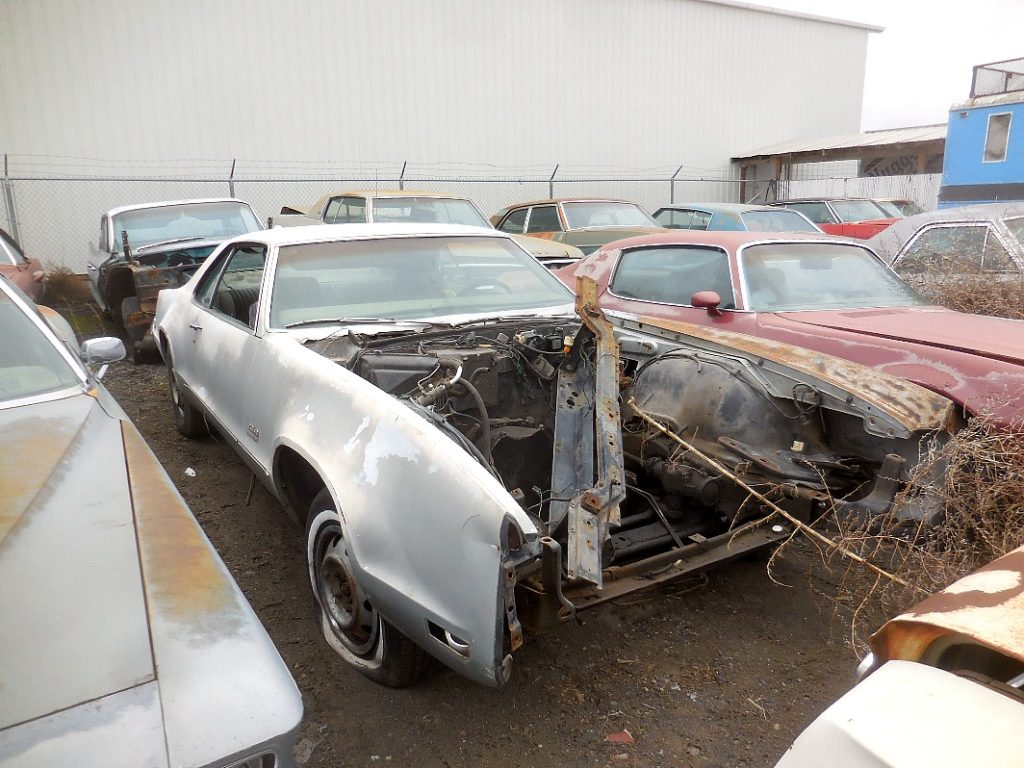 1970 Oldsmobile Toronado, no engine, rough shape but great for parts. n-483