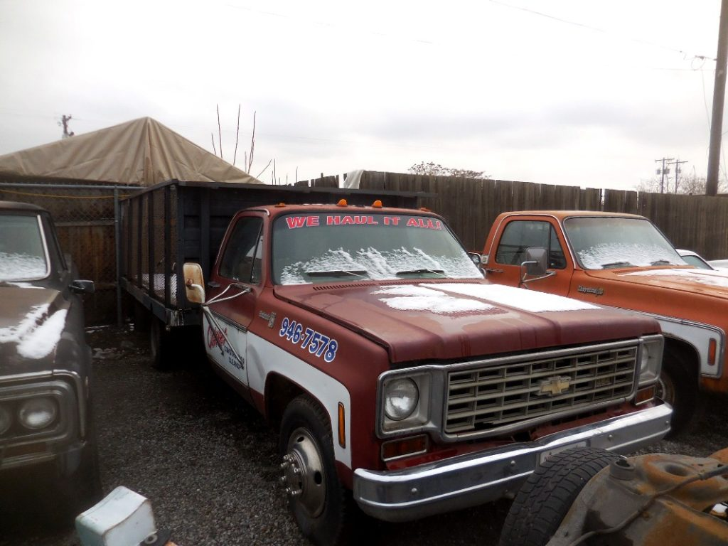 1976 Chev one ton flatbed with electric Hydraulic dump and remote control.   454 engine , Turbo 400, tilt, Rough and rusty but it still runs and dumps. $1,750  n-492