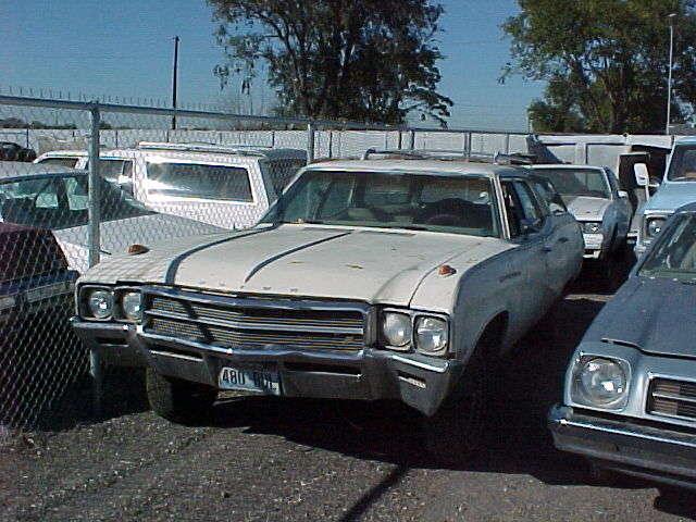 1969 Skylark - wagon, no engine, no trans, good body & trim.  $900  n-069
