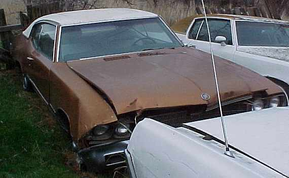 1972 Skylark - 350  T/350, A/C, disc brakes,  50 some thousand original, nice interior. Has front end damage. $1,250 n-164