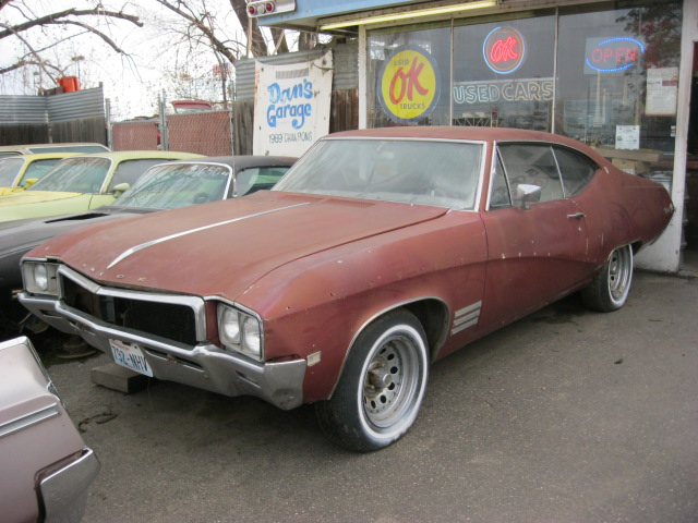 1968 Buick Skylark 2 door hardtop 250 cylinder with a Saginaw 4 speed,  runs good, straight body, rusty trunk.   $2,150  n-354