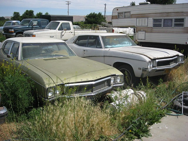 1968 Buick Skylark Special Deluxe 4 dr sedan  350, Automatic, PS, PB Factory A/C engine shot. Nice body and trim  $1500 or will part out. n-386