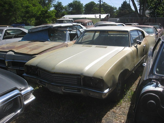 1971 Buick Skylark 2 door sedan, 350, automatic, Factory A/C, straight body but very rusty, no interior.   $1,350 or will part out. n-412