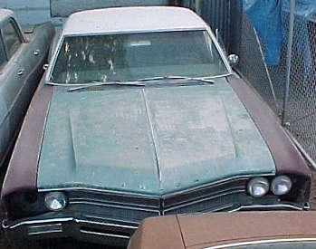 1967 Wildcat - 2d h/t, pw, tilt, ac, skirts, power seat, cruise control, speed alert, 69 430 engine, TH400, 67,500 miles, $1,500.  n-062