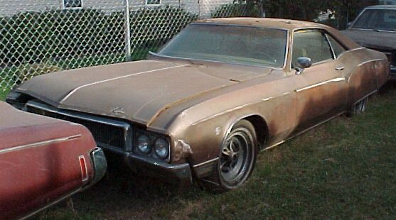 1970 Buick Riviera Complete but rough; engine will run. Parts car.  n-227