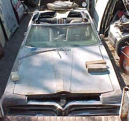 1967 Grand Prix convertible - 400 cid, TH400, tilt, AC, PW, buckets, console, cornering lamps, RARE, rough but restorable.  $2,500  n-051