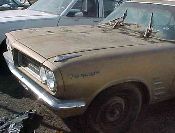 1963 Tempest LeMans - 4d, slant 4cyl, AT. Partsing out. n-133