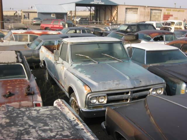 1967 GMC 1/2 ton Custom long bed  no engine or trans, good body  $1200  n-318