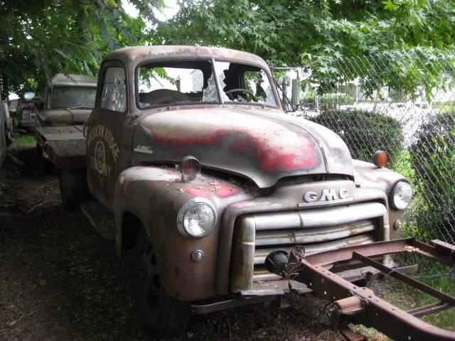 1950 GMC 1 ton flatbed 248, 4 speed, broken glass, good sheet metal, mechanically complete, not running    $800 n-327