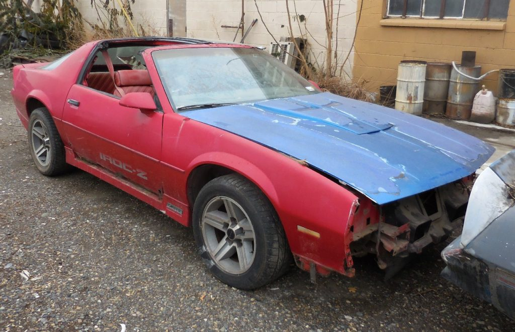 """1987 Camaro Iroc  Z-28 87,000 original miles 305 Tuned Port runs good, original 16"""" Iroc rims. Totally rusted out, parts car only.  n-463  Sorry, this one is sold!"""